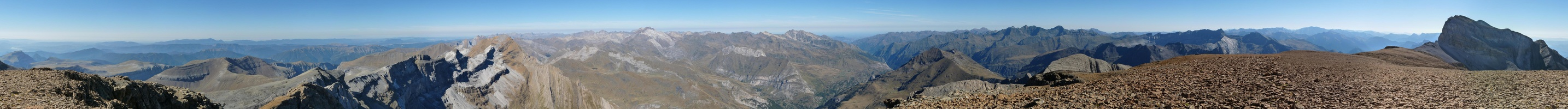 Panorama from the Pico de Marboré